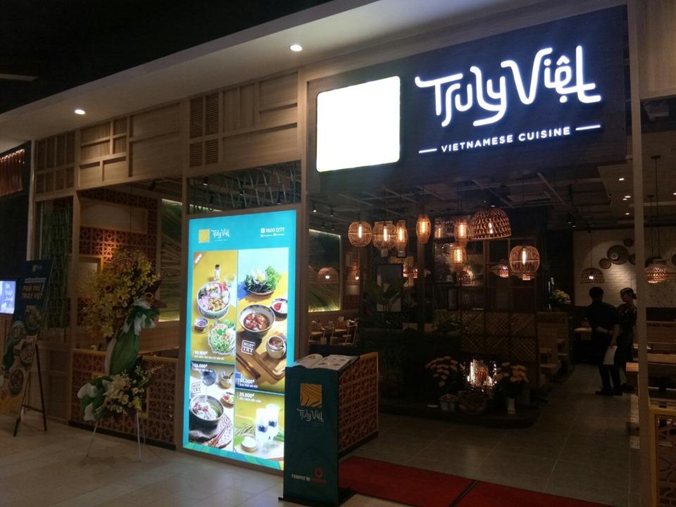 nhà hàng Truly Việt